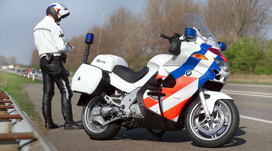 Schurgers-Design_BMW-K1200P_02.jpg